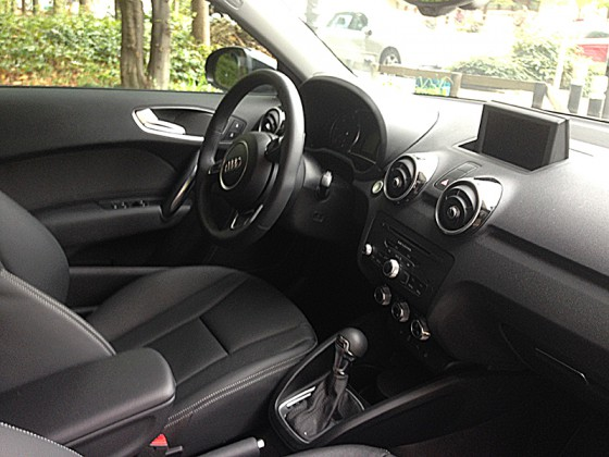 essai audi a1 sportback 1 6 tdi ambition luxe s tronic auto. Black Bedroom Furniture Sets. Home Design Ideas