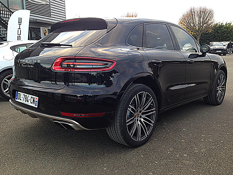 porsche macan turbo 3 4 arriere auto lifestyle. Black Bedroom Furniture Sets. Home Design Ideas