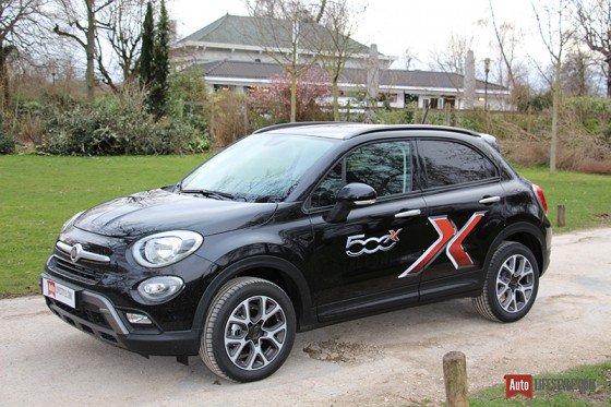 Essai fiat 500x cross multiair 140 ch auto lifestyle for Fiat 500 x interieur