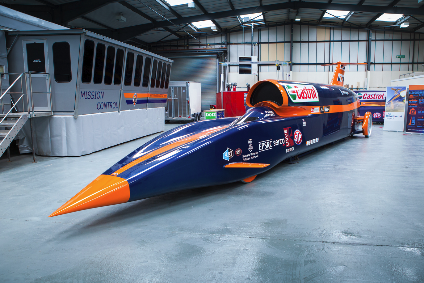 bloodhound ssc objectif 1609 km h auto. Black Bedroom Furniture Sets. Home Design Ideas