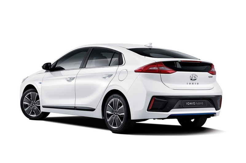 hyundai ioniq une concurrente a la prius arrive auto. Black Bedroom Furniture Sets. Home Design Ideas