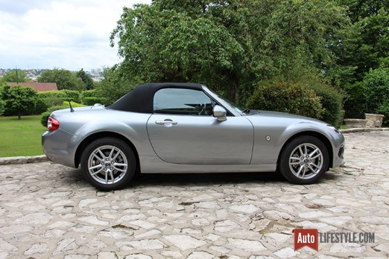 essai occasion mazda mx 5 nc 126 ch 3eme generation phase ii auto. Black Bedroom Furniture Sets. Home Design Ideas