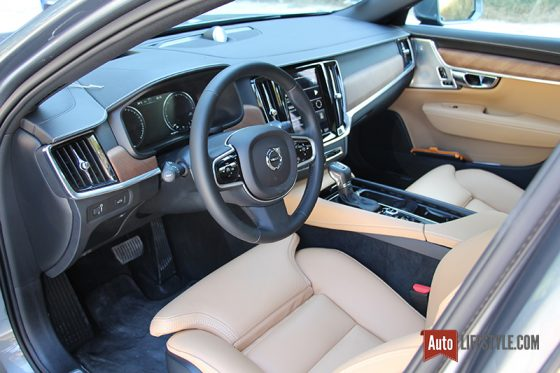 Volvo S90 D5 AWD 235 ch Geartronic8 Inscription Gris Osmium / cuir Nappa Ambre